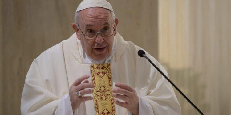 El papa sobre la Iglesia: nos asusta acompañar a gente con diversidad sexual