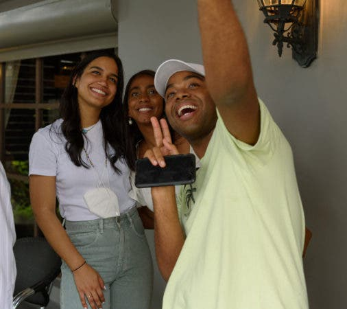 Eliana Parra, Evelyn Medina y Luis Valdez.