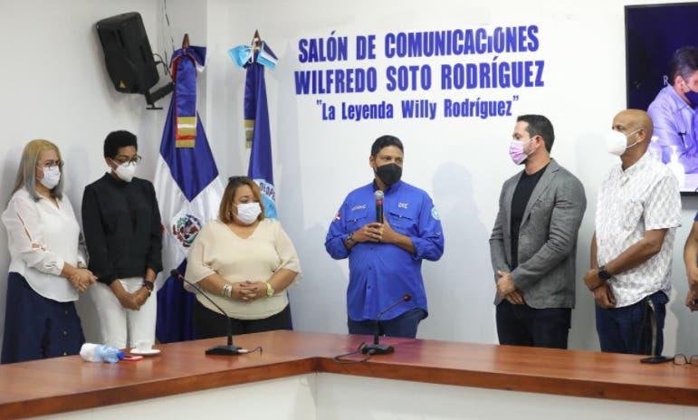 Colocan nombre La Leyenda Willy Rodríguez a un salón del COE