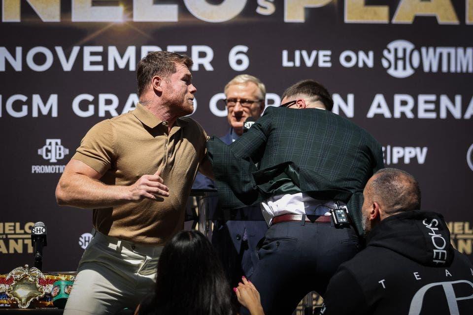 Video: «Canelo» y Plant se lían a golpes en conferencia de prensa