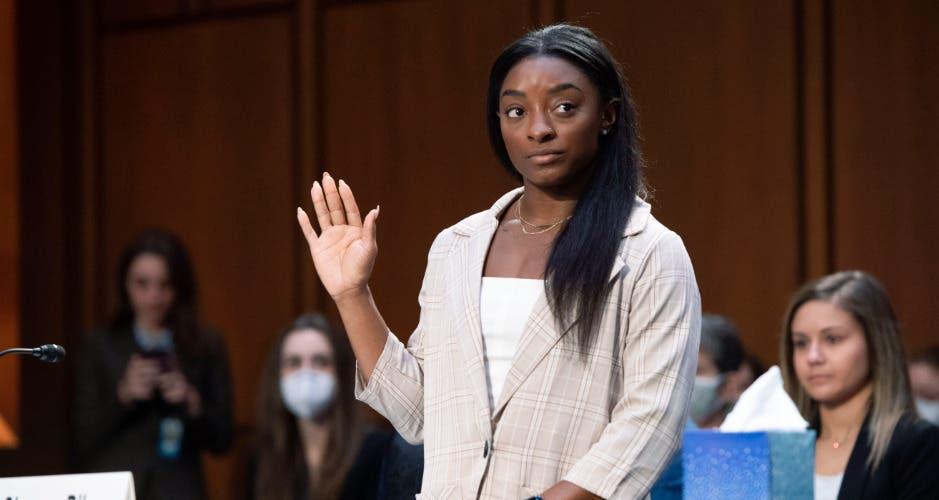 Simone Biles llora al narrar los abusos sexuales que toleró del médico  Larry Nassar