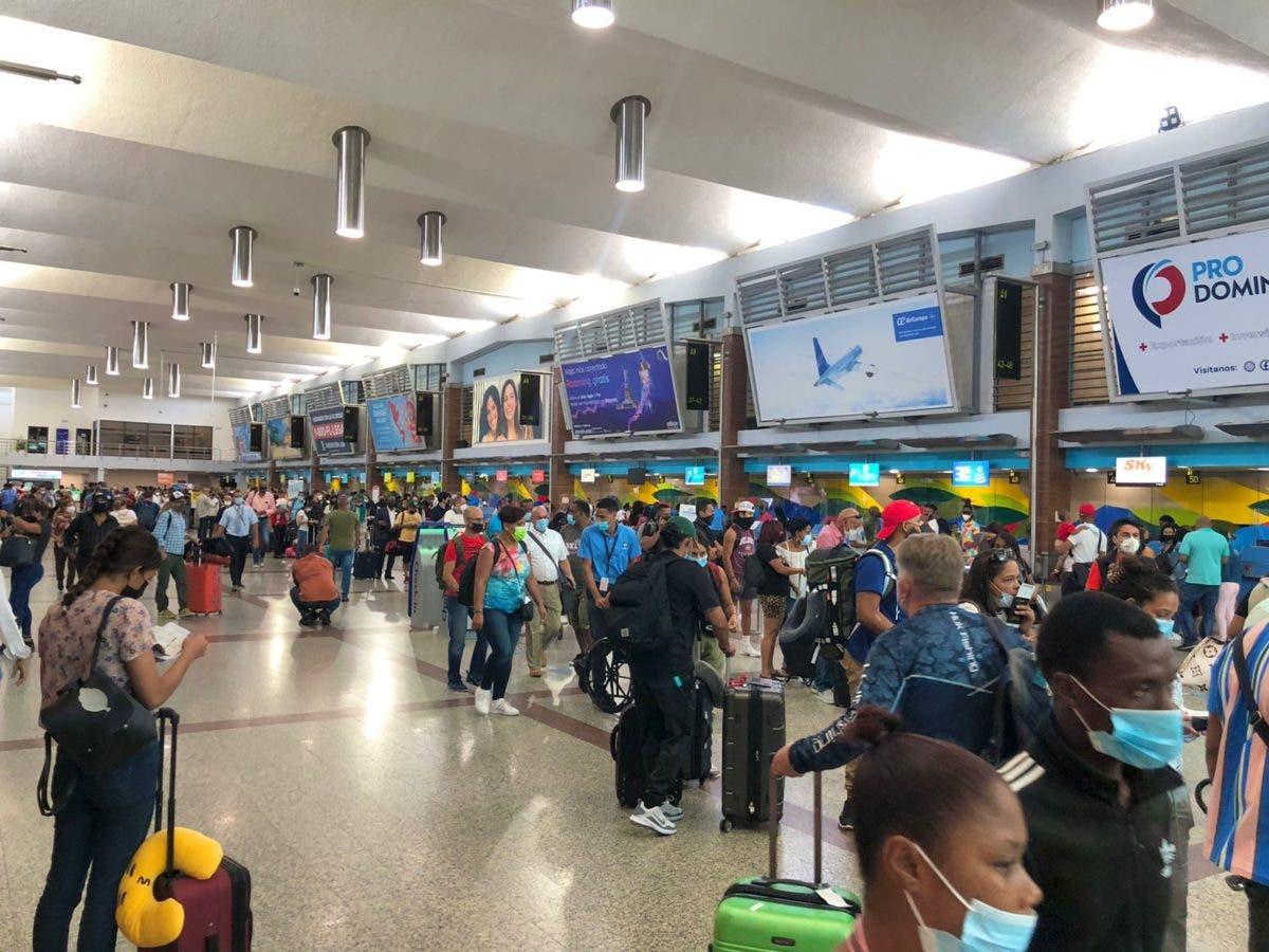 Desde este 1 de septiembre viajeros deberán presentar formulario digital «e-ticket»