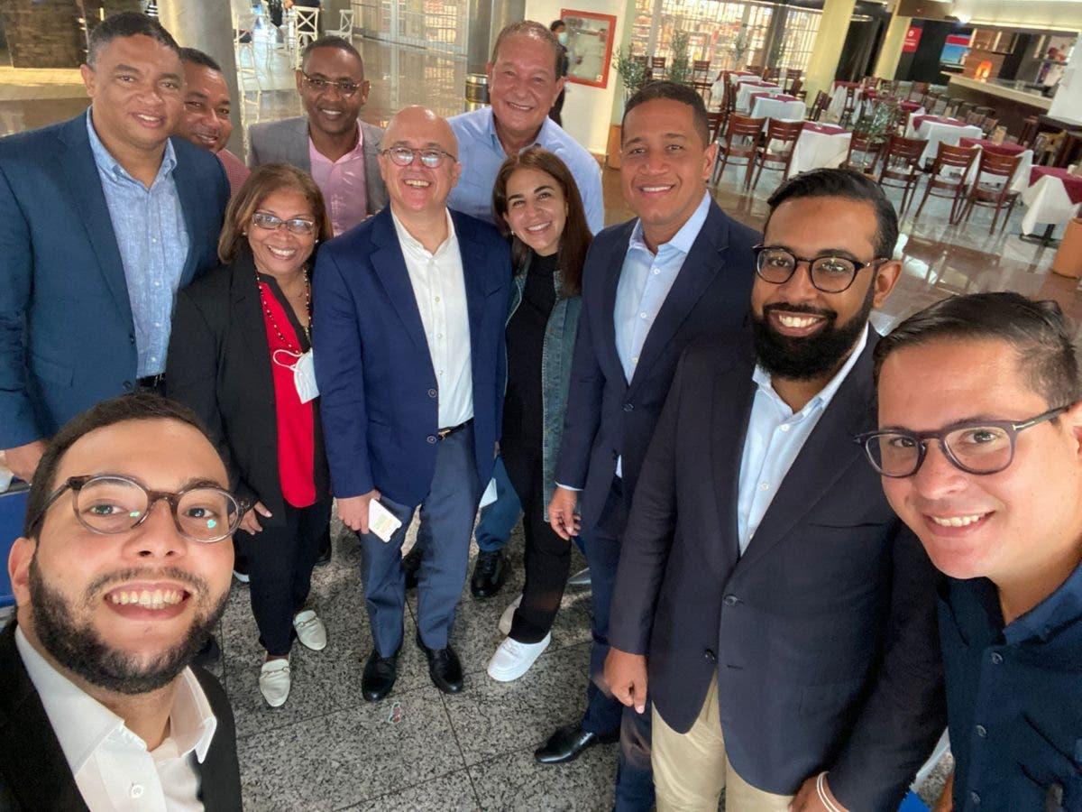 Domínguez Brito parte al encuentro con la comunidad dominicana en Estados Unidos