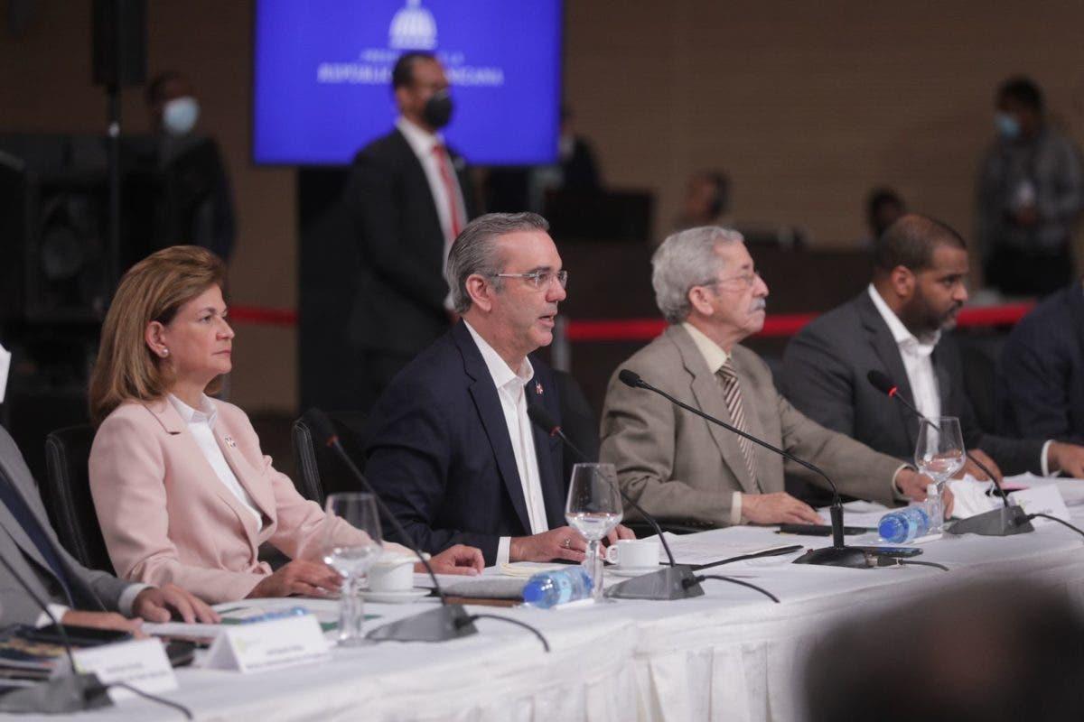 Luis Abinader propone en Diálogo Nacional reforma a la Constitución para transformar la justicia