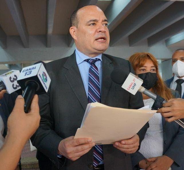 Colegio de Abogados denuncia le niegan participación en Diálogo Nacional