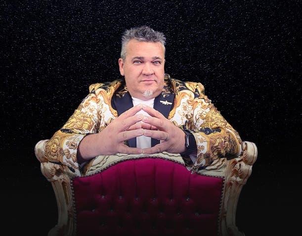 Tony Urdangarin llega a Casa de teatro con su show el Ilusionista