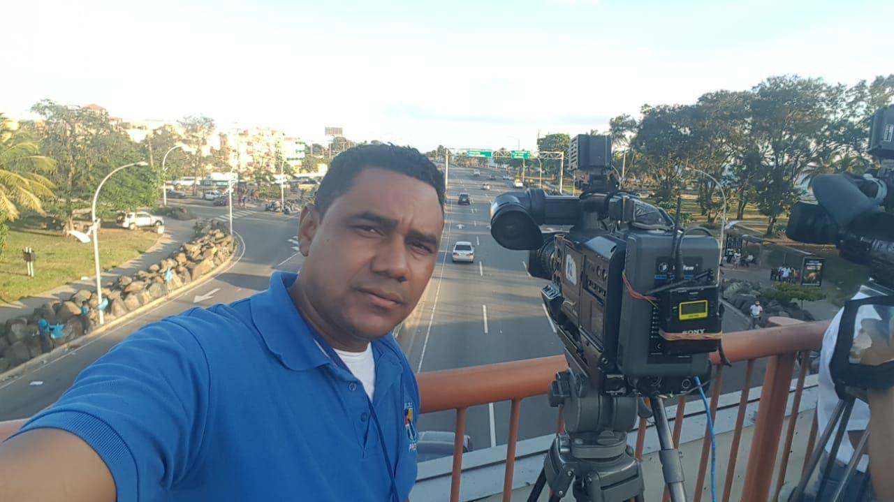 Moisés, un camarógrafo con 17 años de experiencia que necesita de su solidaridad para tratamiento contra cáncer