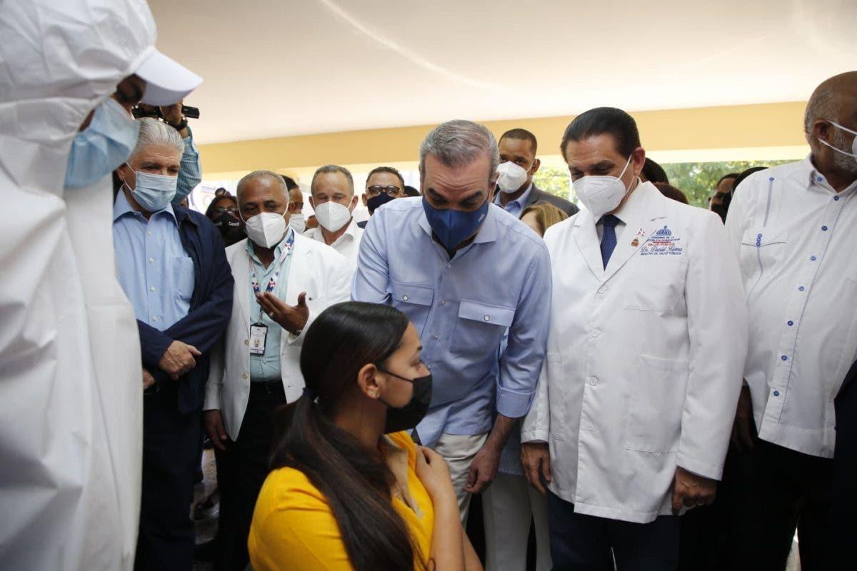 Presidente y vicepresidenta encabezan operativos en Santiago y la capital
