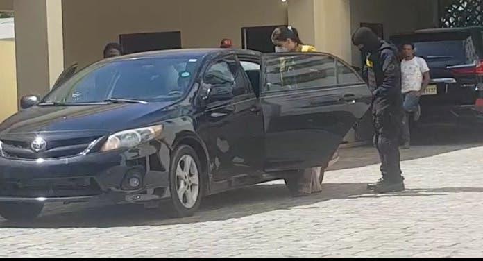 Operación Falcón | Autoridades incautan estaciones de combustibles, vehículos de alta gama y hasta relojes de lujo