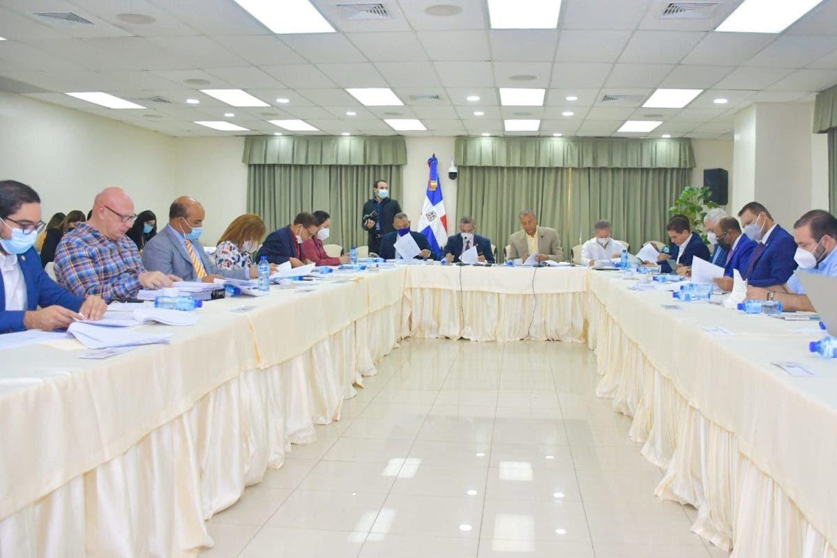Comisión Bicameral estudia proyecto reforma Código Penal hasta artículo 109
