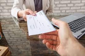 Pago cheques; Senador ve sobrante mala gestión PRM