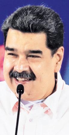 Maduro acusa a Colombia de intentar descarrilar el diálogo