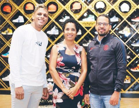 Inauguran una nueva tienda para los «fashionistas» del deporte