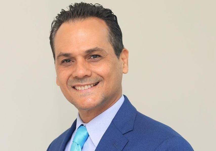 Senador Iván Silva somete proyecto para garantizar empleos a los pilotos del país