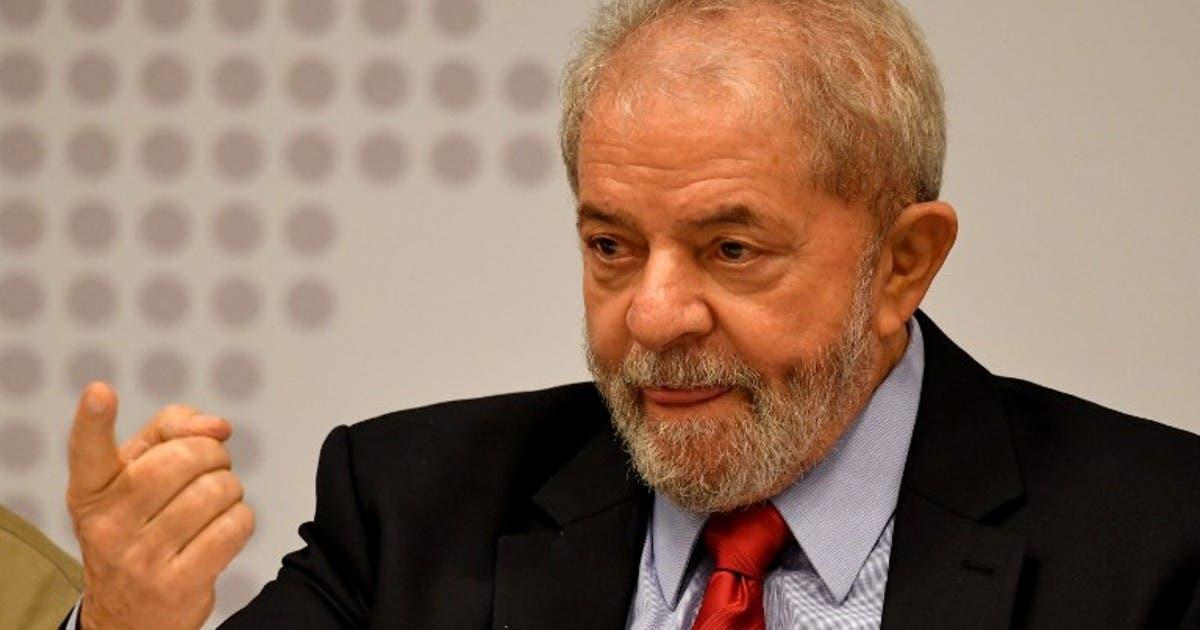 Lula mantiene amplia ventaja en sondeos para elección presidencial en Brasil