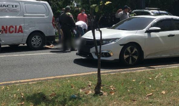 Atracadores vestidos de militares matan a un hombre y hieren a otro en la Núñez de Cáceres