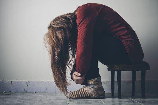 ¿Cómo identificar a una persona con pensamientos suicidas?