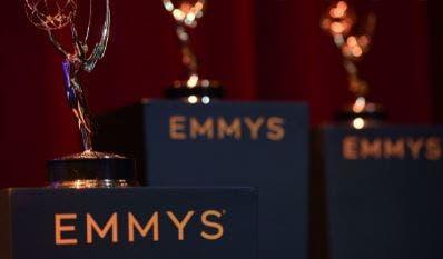 Los Emmy: la pandemia obliga a celebrar hoy una gala reducida a última hora