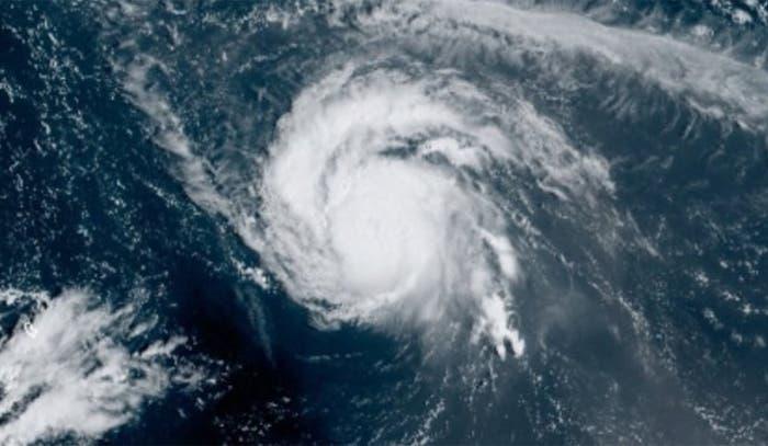 Huracán Sam se convertirá en un sistema post-tropical