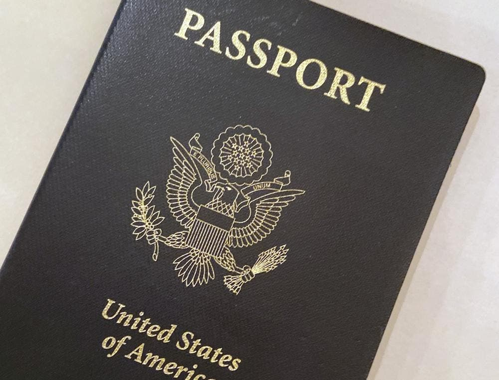 "EE. UU. emite su primer pasaporte con género ""X"""