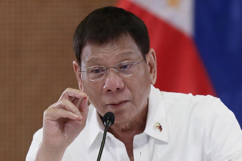 Presidente de Filipinas anuncia su retirada de la política