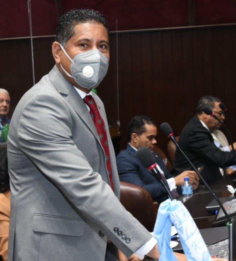 Ratifican acuerdo con Cuba y convenio 156 de la OIT