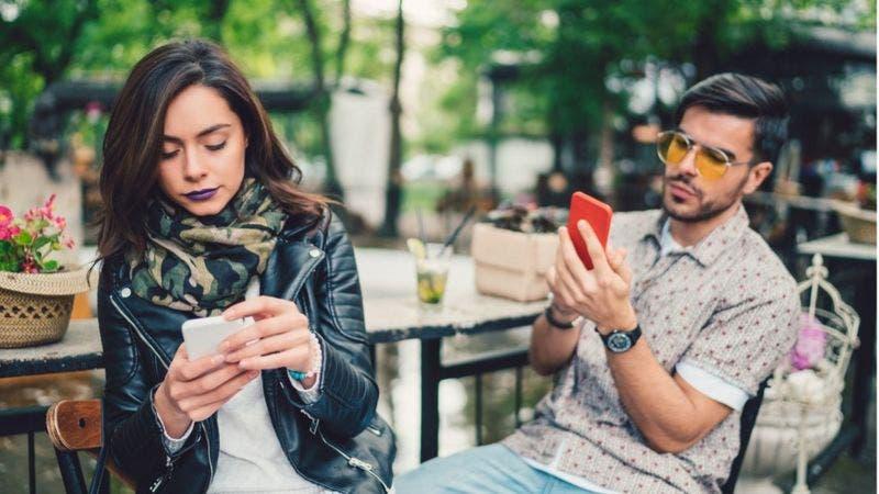 Tranquilo, tu teléfono inteligente no te está haciendo menos inteligente