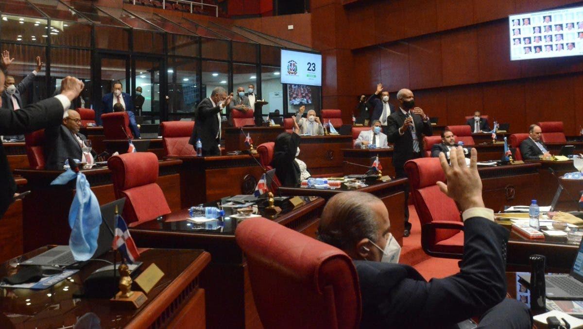 El Senado aprueba préstamos por 100 y 50 millones de dólares