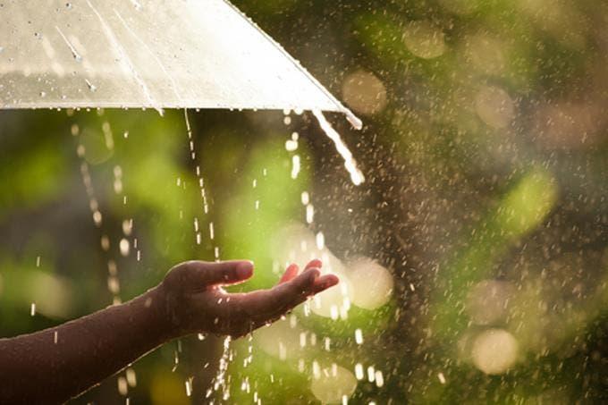 ¡Saque su paraguas! Onda tropical causará aguaceros