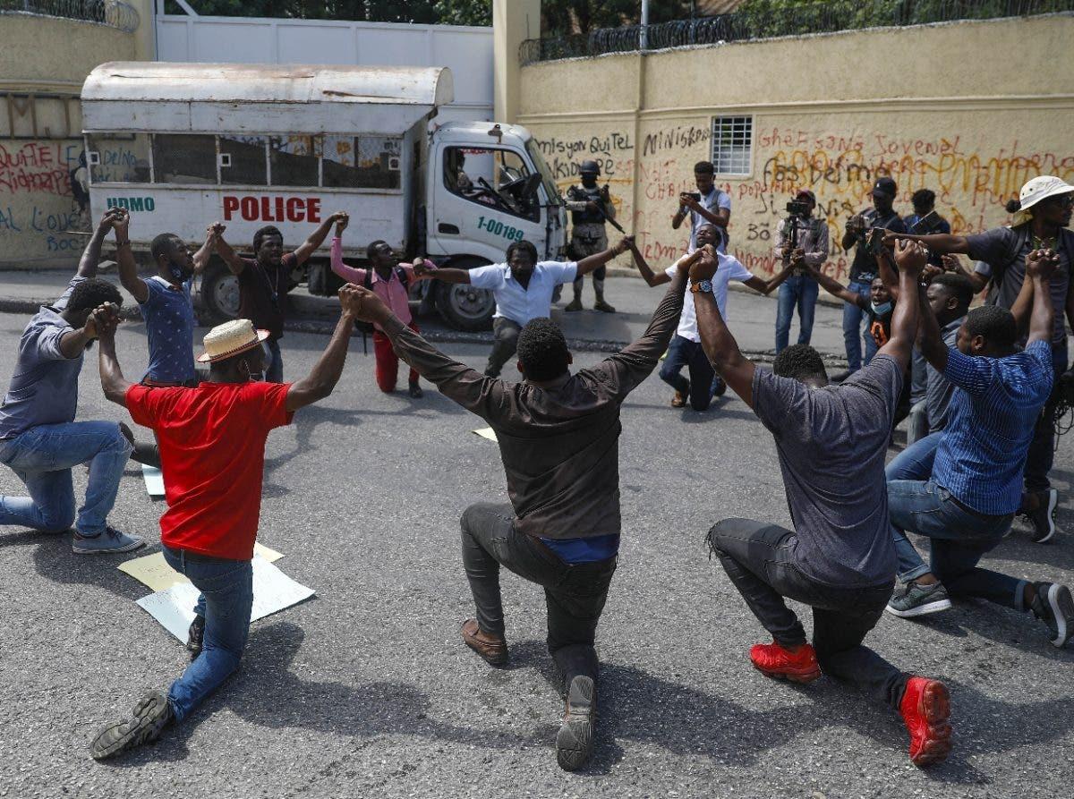 """EU evalúa """"opciones"""" para liberar misioneros en Haití"""
