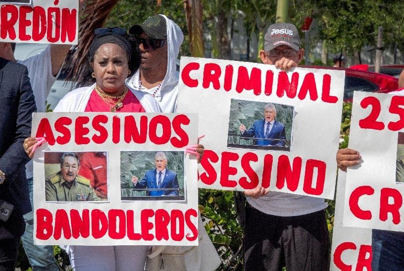 Exilio en Miami apoya marcha y paro en Cuba