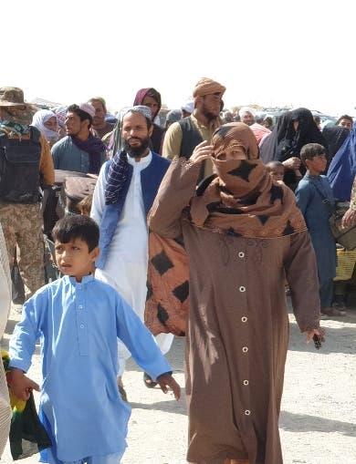 Miles  huyen de Afganistán para ingresar a Pakistán