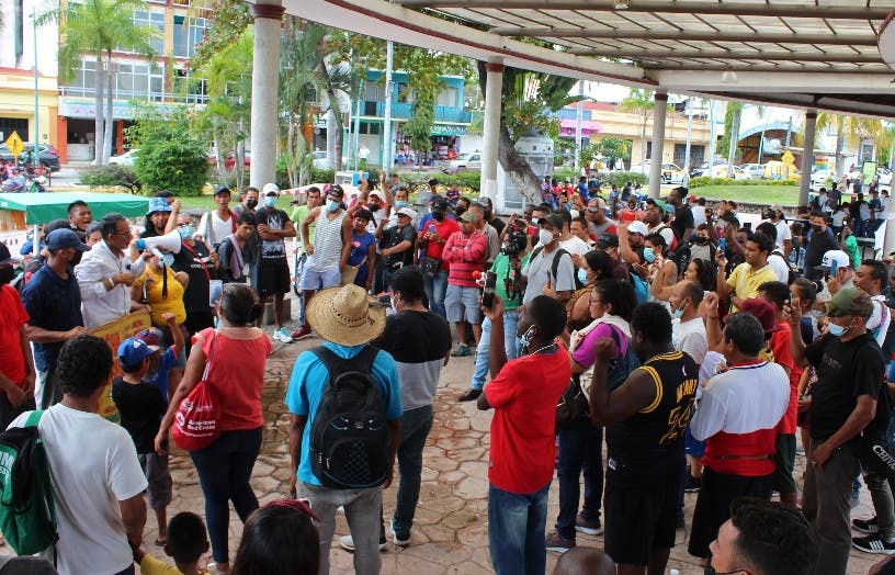 Migrantes alistan caravana desde sur México a capital