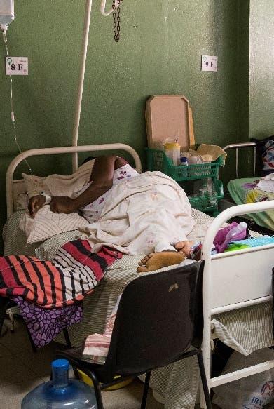 Cierran centros salud falta combustibles
