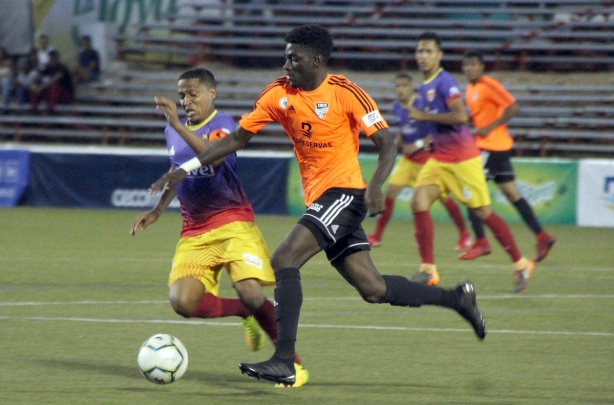 Club Cibao FC recibe hoy a Pantoja en la semifinal LDF