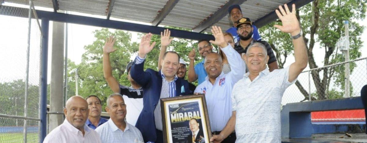 """Franklin Mirabal: """"Mi legado es impulsar a 25 cronistas deportivos"""""""