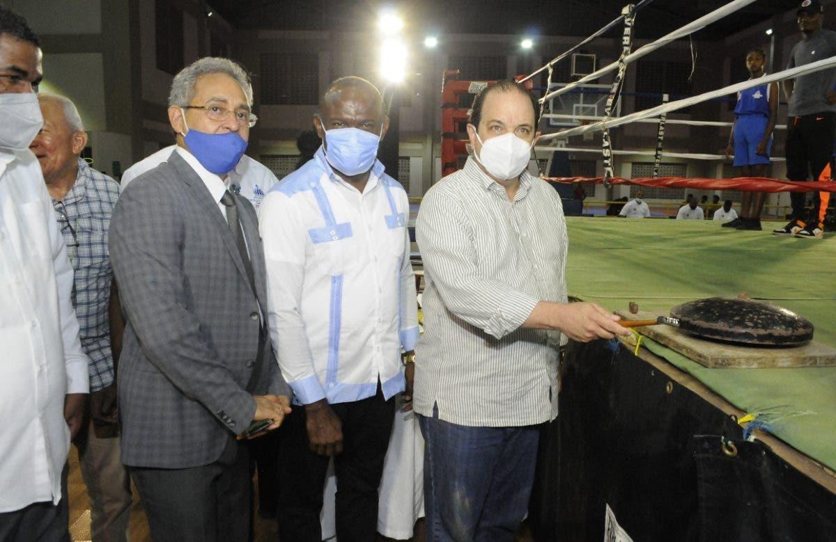 Núñez y Alcántara avanzan final Invitacional de Boxeo
