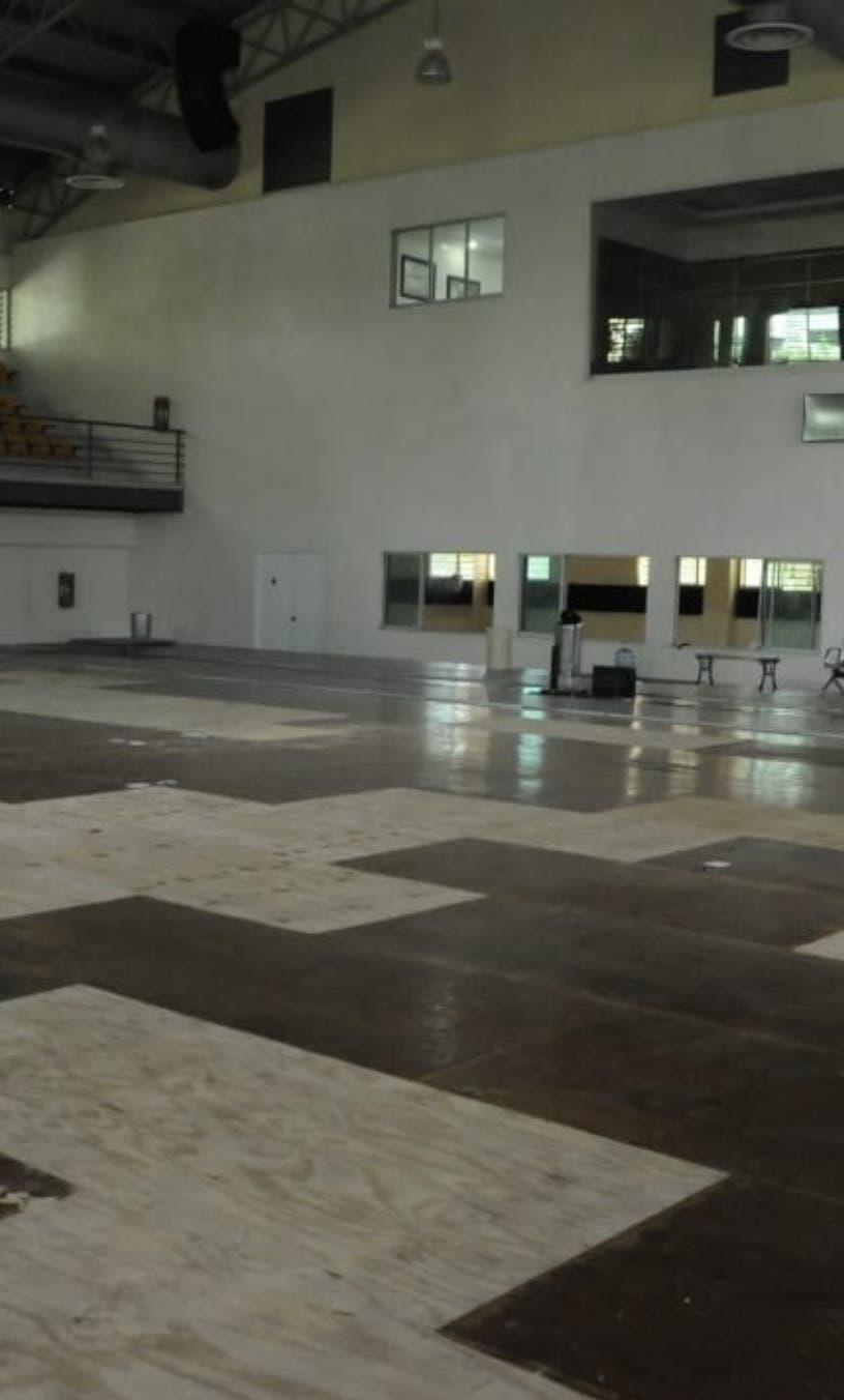 Reparan el tabloncillo en el Pabellón de Esgrima en el Olímpico