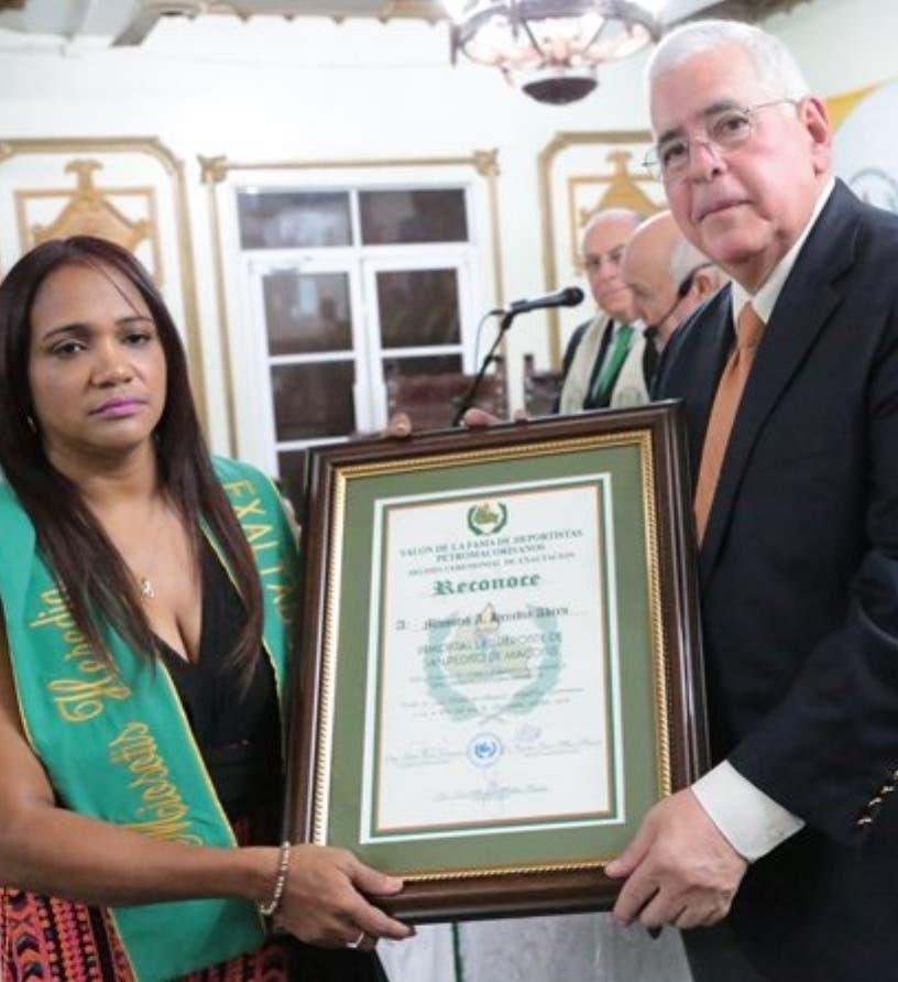 Miosotis Heredia electa al Pabellón de la Fama de RD