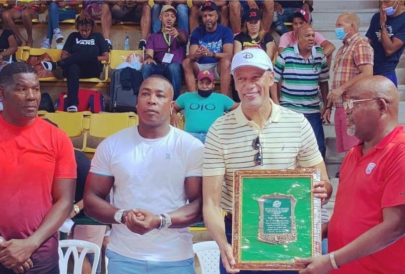 Baloncesto SPM reconoce méritos de Felipe Payano