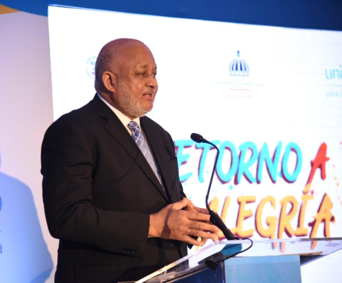 Ministro Fulcar transforma sistema para el empleo