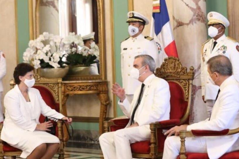 Presidente Abinader recibe cartas credenciales