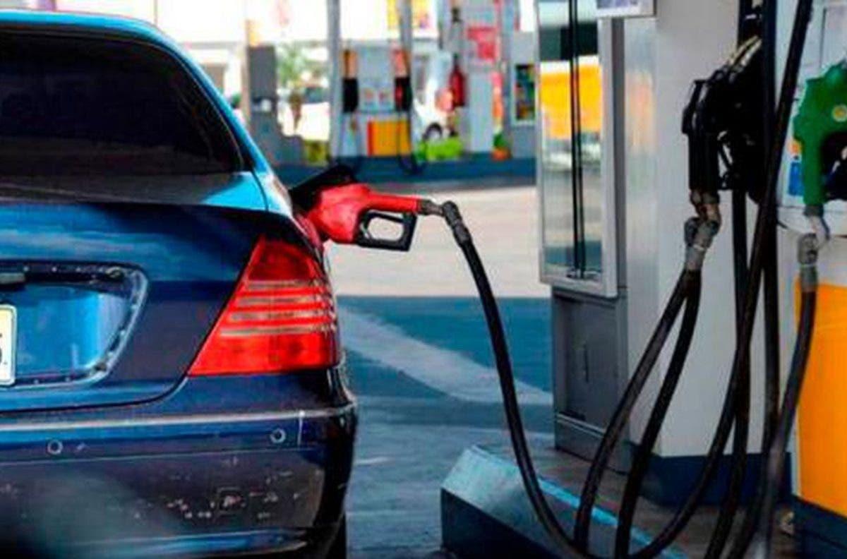 Mayoría de combustibles suben hasta RD$15.70