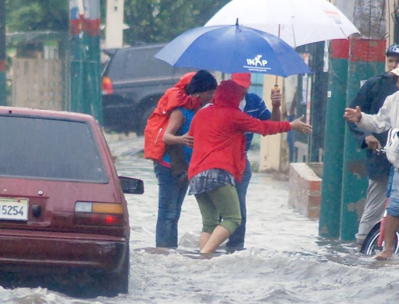 Más lluvias cubren el país y mantienen la alerta verde