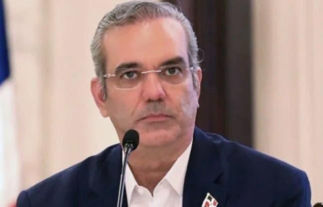 Abinader envía condolencias a familiares de bomberos muertos en La Vega