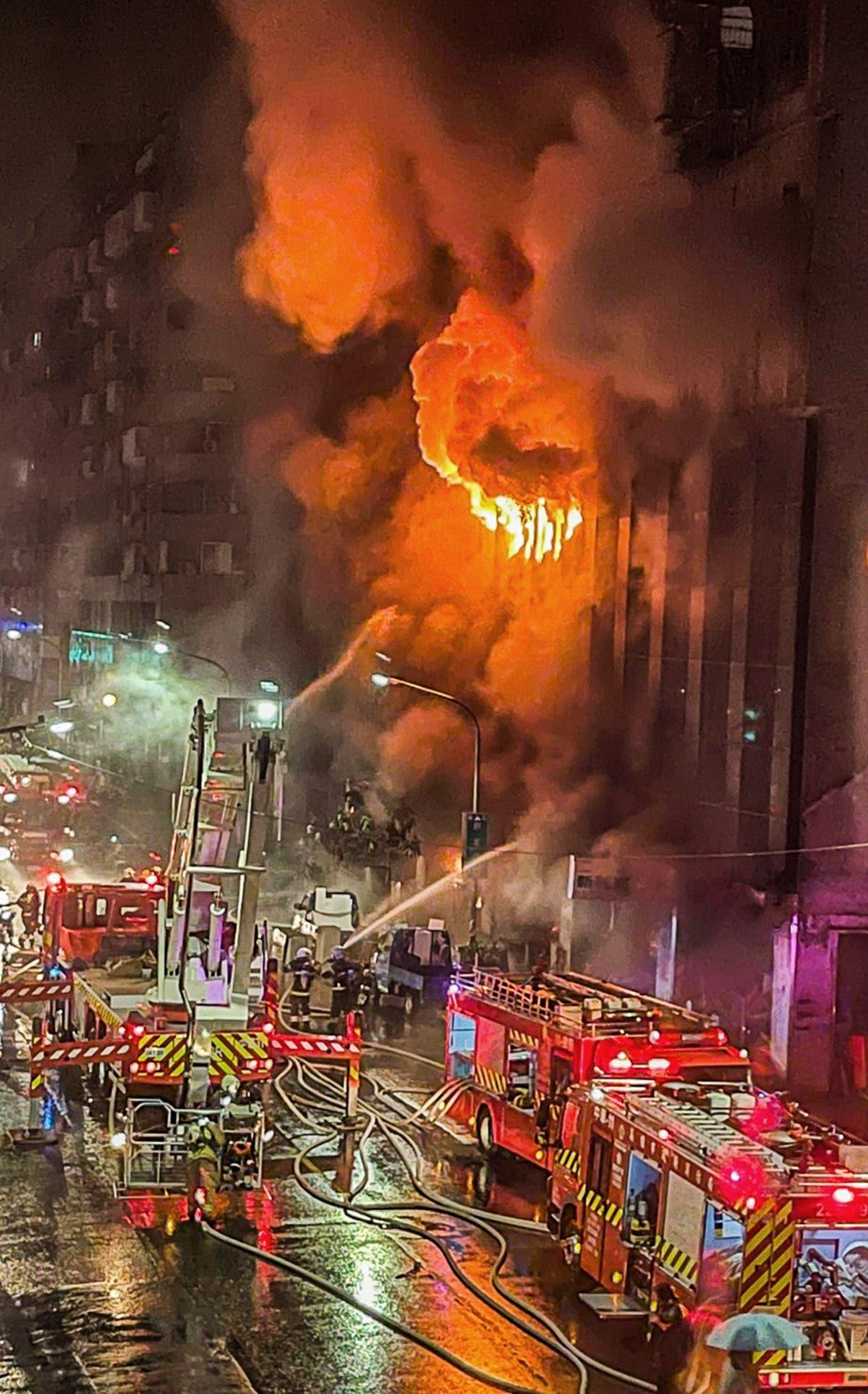 Taiwán: incendio deja al menos 46 muertos y decenas de heridos