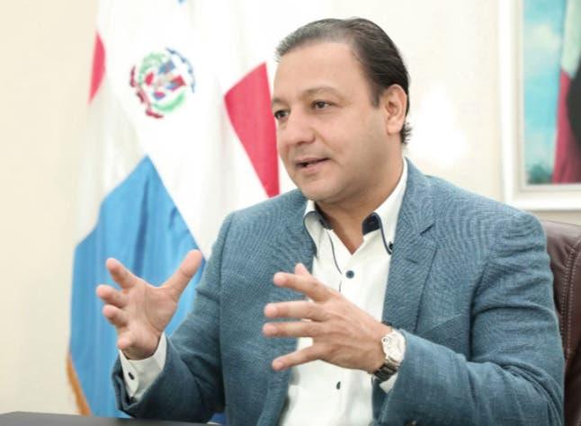 Abel Martínez ve irresponsabilidad de Salud Pública suspensión jornada vacunación