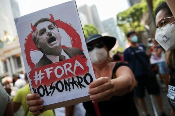 Miles se manifiestan en Brasil para pedir destitución de Bolsonaro