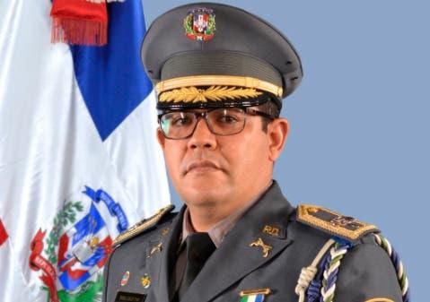 Coronel Balbuena Álvarez reafirma compromiso transformación policial