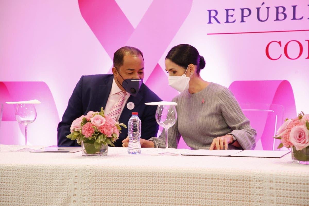 Raquel Arbaje y el contralor encabezan jornada de salud femenina